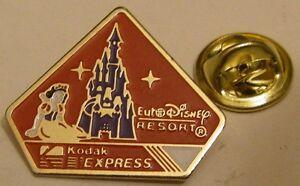 SNOW-WHITE-EURODISNEY-RESORT-KODAK-EXPRESS-Disney-vintage-pin-badge