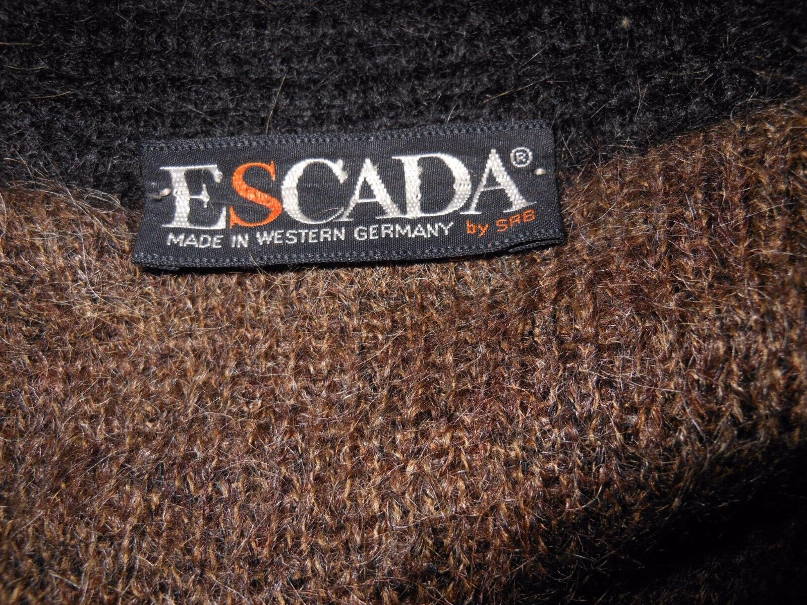 ESCADA Vtg Womens Casual Animal Animal Animal Knit Nordic Mohair Fluffy Warm Cardigan sz M X77 4229c4