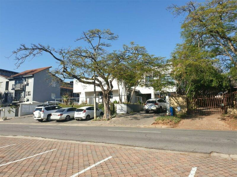 CENTRALLY LOCATED 2 x SINGLE OFFICE SPACE AVAILABLE!!!