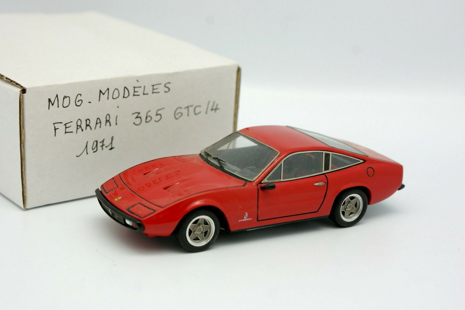 MOG Modeles 1 43 - Ferrari 365 GTC 4 1971
