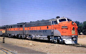 Western-Pacific-F7-Diesel-locomotive-805-D-train-postcard-Feather-River-Route