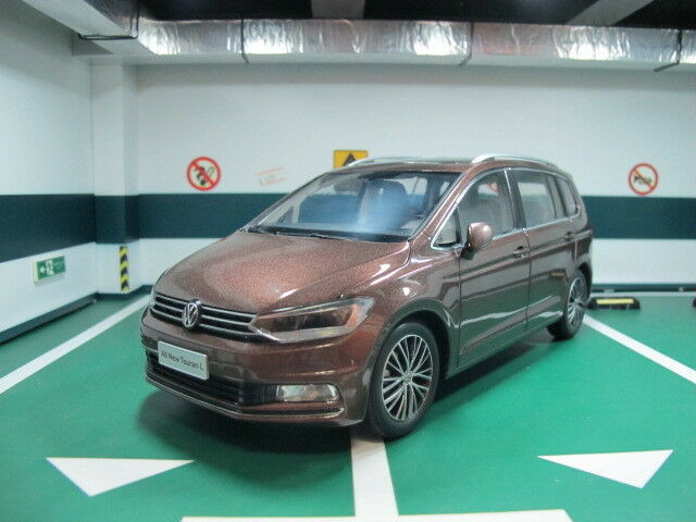 VW Volkswagen  nouveau Touran 1 18 model voiture  gros prix discount