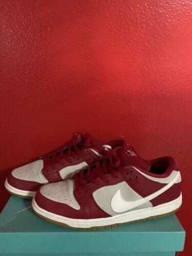 Nike Sb Dunk Size 11 Valentine's Day Edition