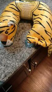 Critter-Pillar-Kids-Travel-Pillows-Tiger