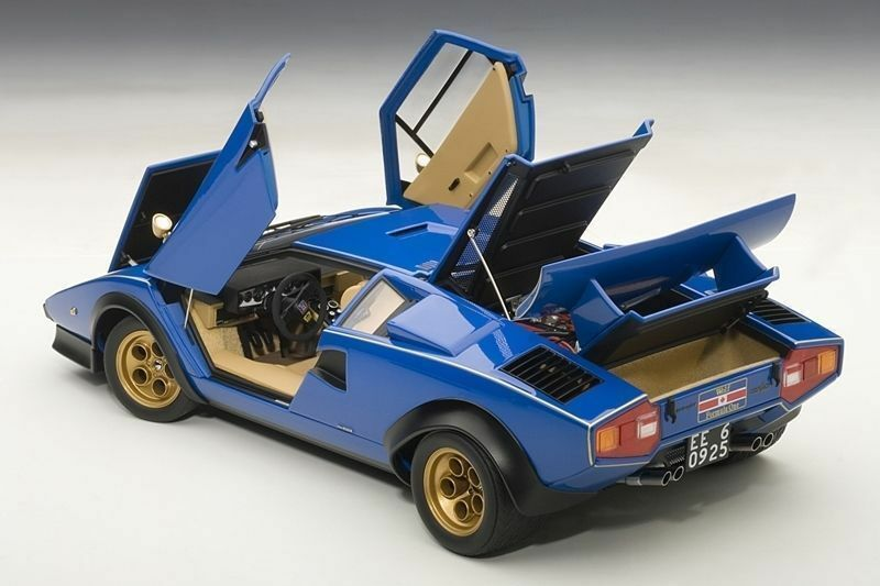 1:18 Autoart Lamborghini Countach LP500 S Walter Wolf Edizione Blu 1976