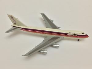 Dragon 1 400 PEOPLE EXPRESS Boeing 747-200