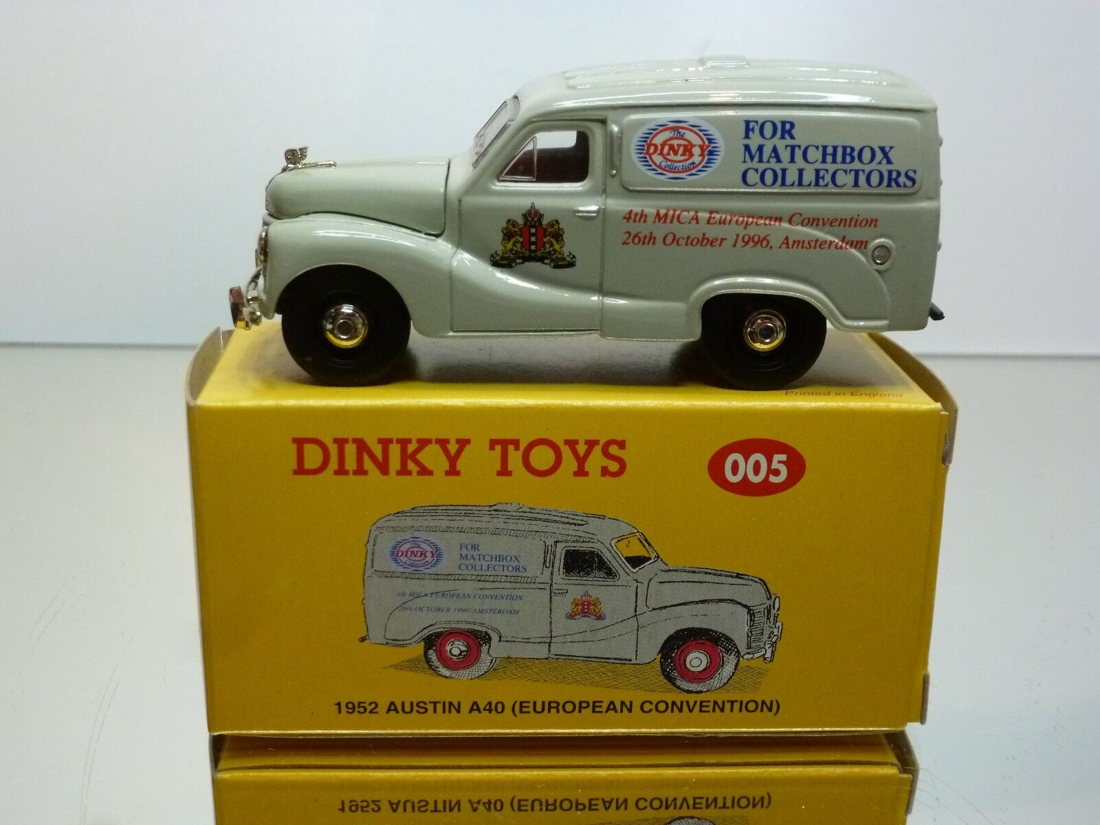 DINKY TOYS CODE 2 MODELS 005 AUSTIN A40 '52 MICA CONVENTION 1:43 - EXCELLENT IB