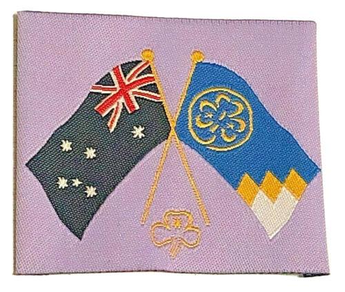 CROSSED AUSTRALIAN /& GIRL GUIDES FLAGS Badge Girl Guides Australia