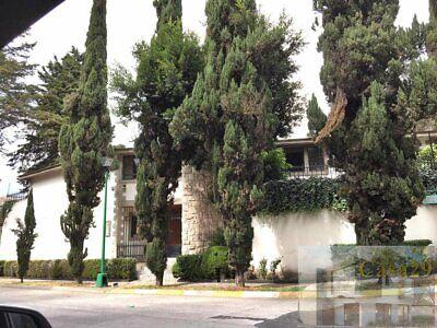 Casa en venta en Bosque de Rio Frio 4 recamaras suite independiente jardin