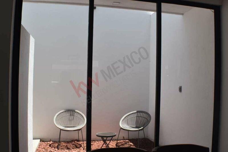 Residencias Modelo Greco- Fraccionamiento Privado- Jardines de Oriente- estilo contempo...
