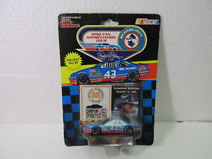 Confiant Racing Champions Richard Petty 1992 Michigan Voie Express 1:64 à L'Échelle