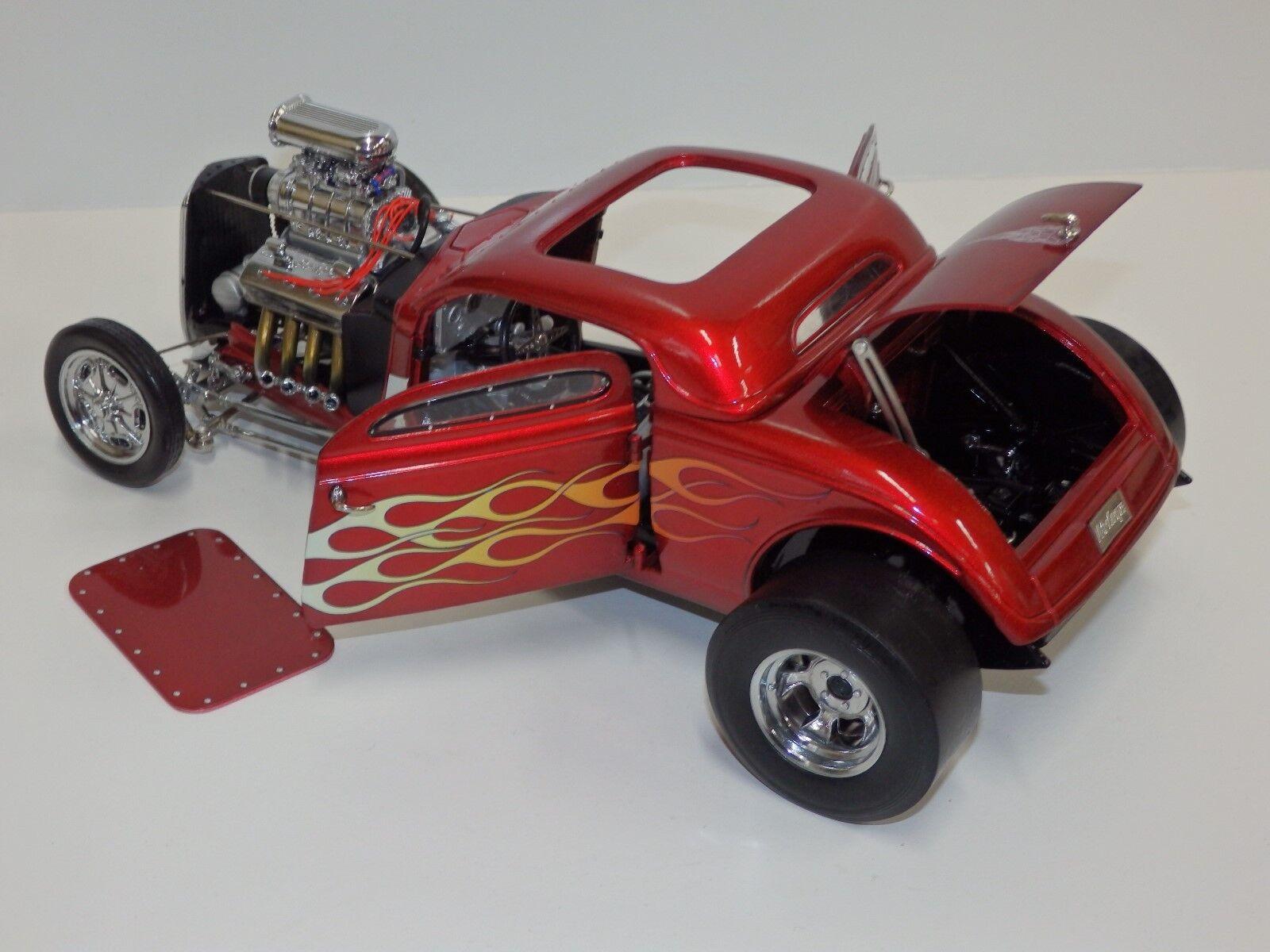 GMP 1934 Ford Soplado Hemi Coupe  Escala 1 18