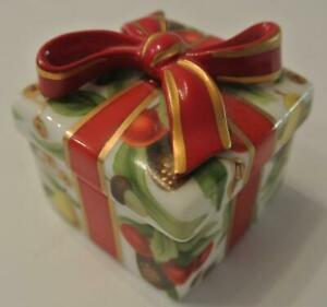 Tiffany-amp-CO-Company-Holiday-Square-Porcelain-Trinket-Box-Ribbon-Bow-Vintage