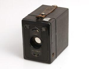 Zeiss-Ikon-Box-Tengor-mit-Goerz-Frontar