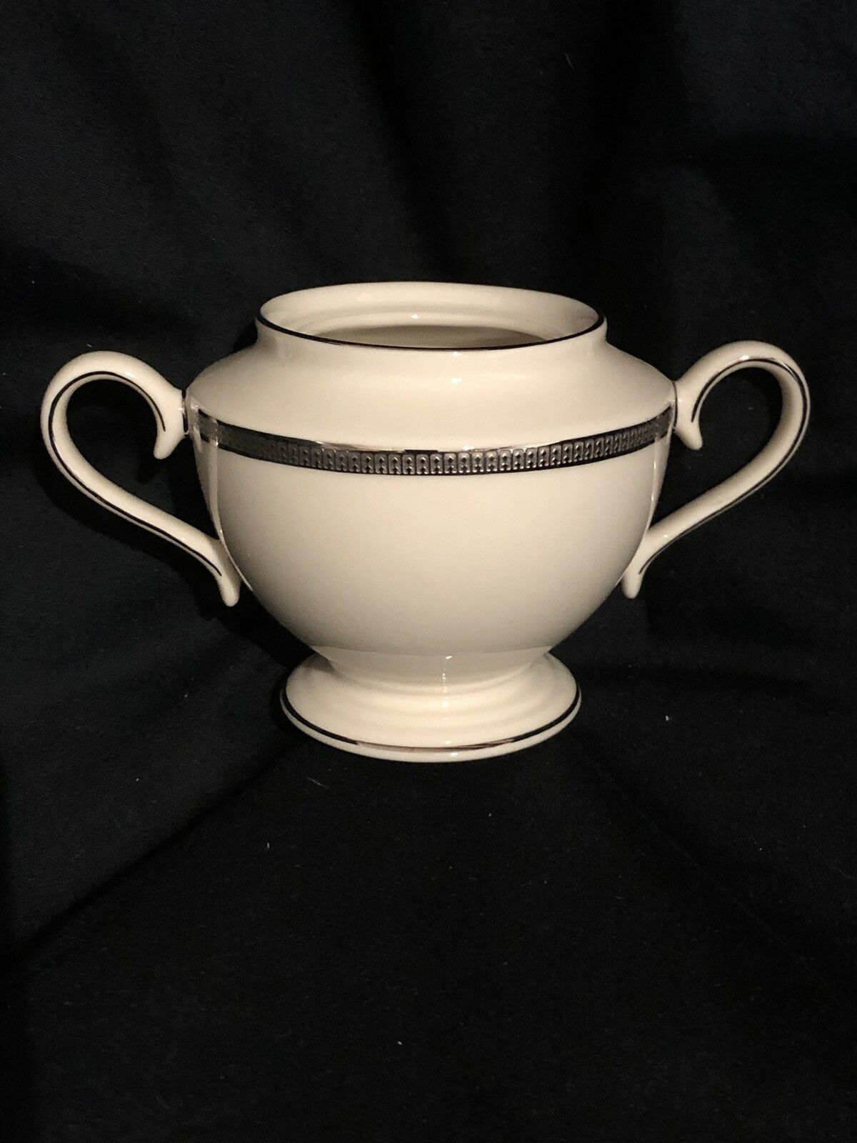 Lenox, Tuxedo, platine Sugar Bowl (sans couvercle)