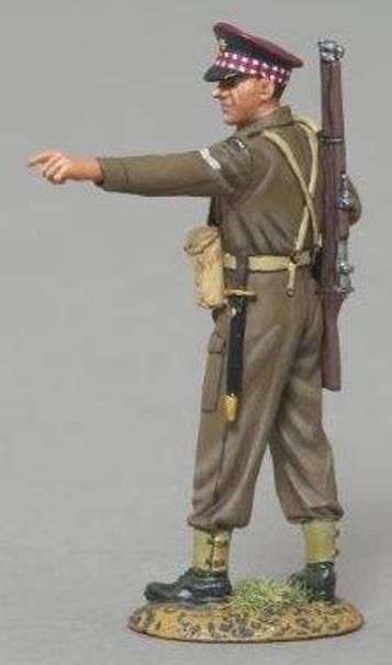THOMAS GUNN WW2 BRITISH GB003 SCOTS GUARD CORPORAL POINTING MIB