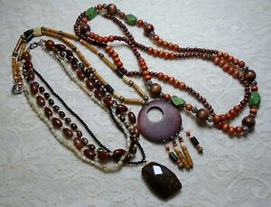 VINTAGE-ASSORTED-MULTI-COLOR-WOOD-amp-LUCITE-BEADED-BOHO-NECKLACE-LOT