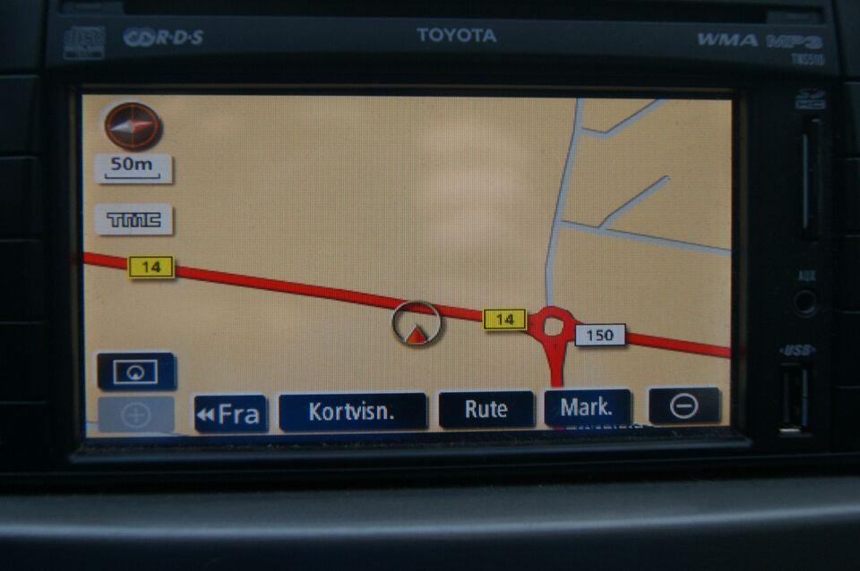 Toyota Avensis 1,8 VVT-i TX stc. Benzin modelår 2011 km