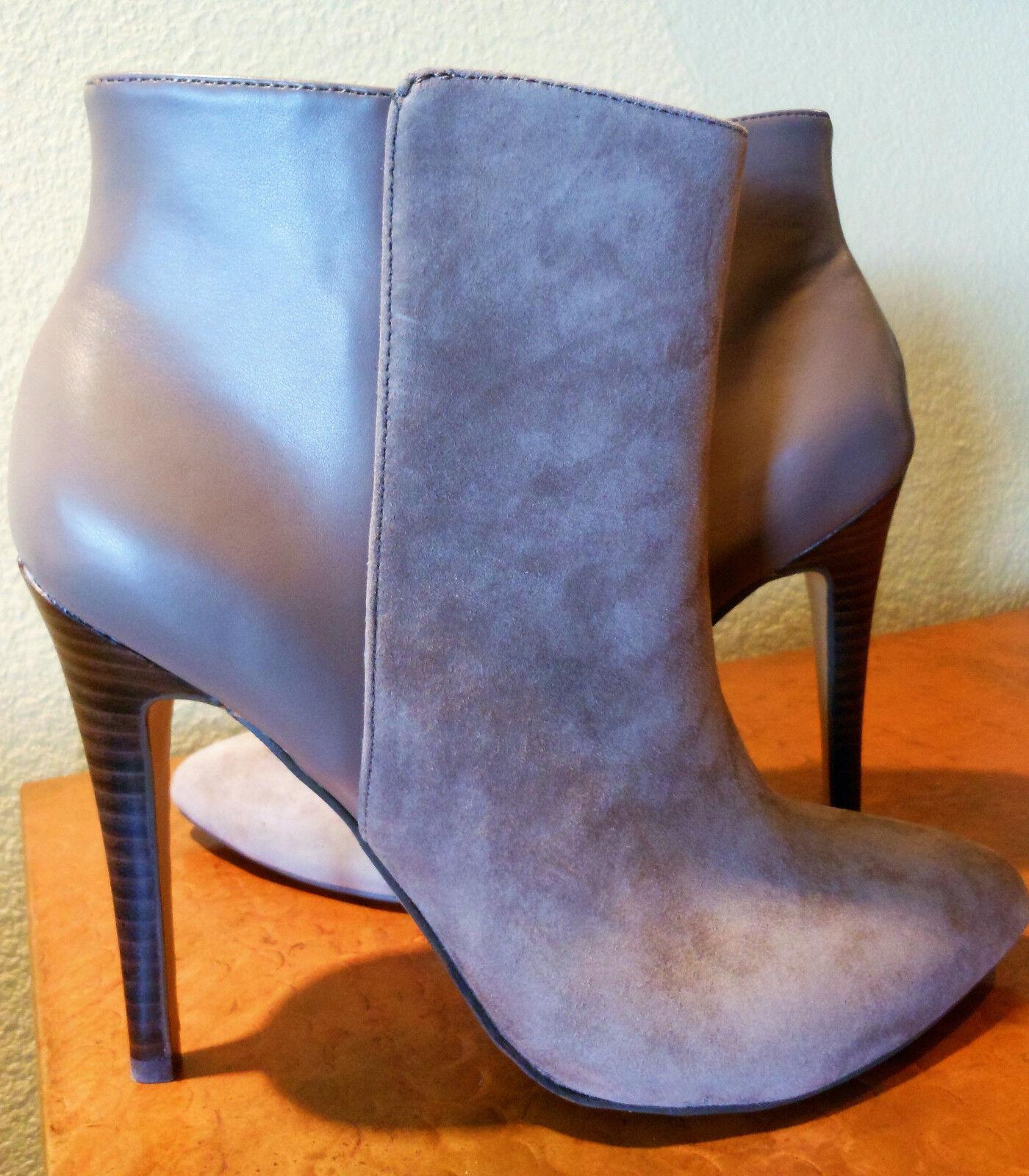 """BCBG Paris Brooklyn Smokey Taupe Suede & Smooth Leather Stiefelie 4.5"""" Heel Größe 7"""