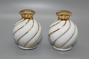 Vintage-Porcelain-Salt-amp-Pepper-Shakers-With-Gold-Accents-and-tops-Elegant-EUC