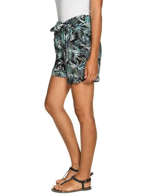 Mavi Damen Shorts aus Viskose, mit festem Bund, Bindegürtel u. Taschen, Größe M