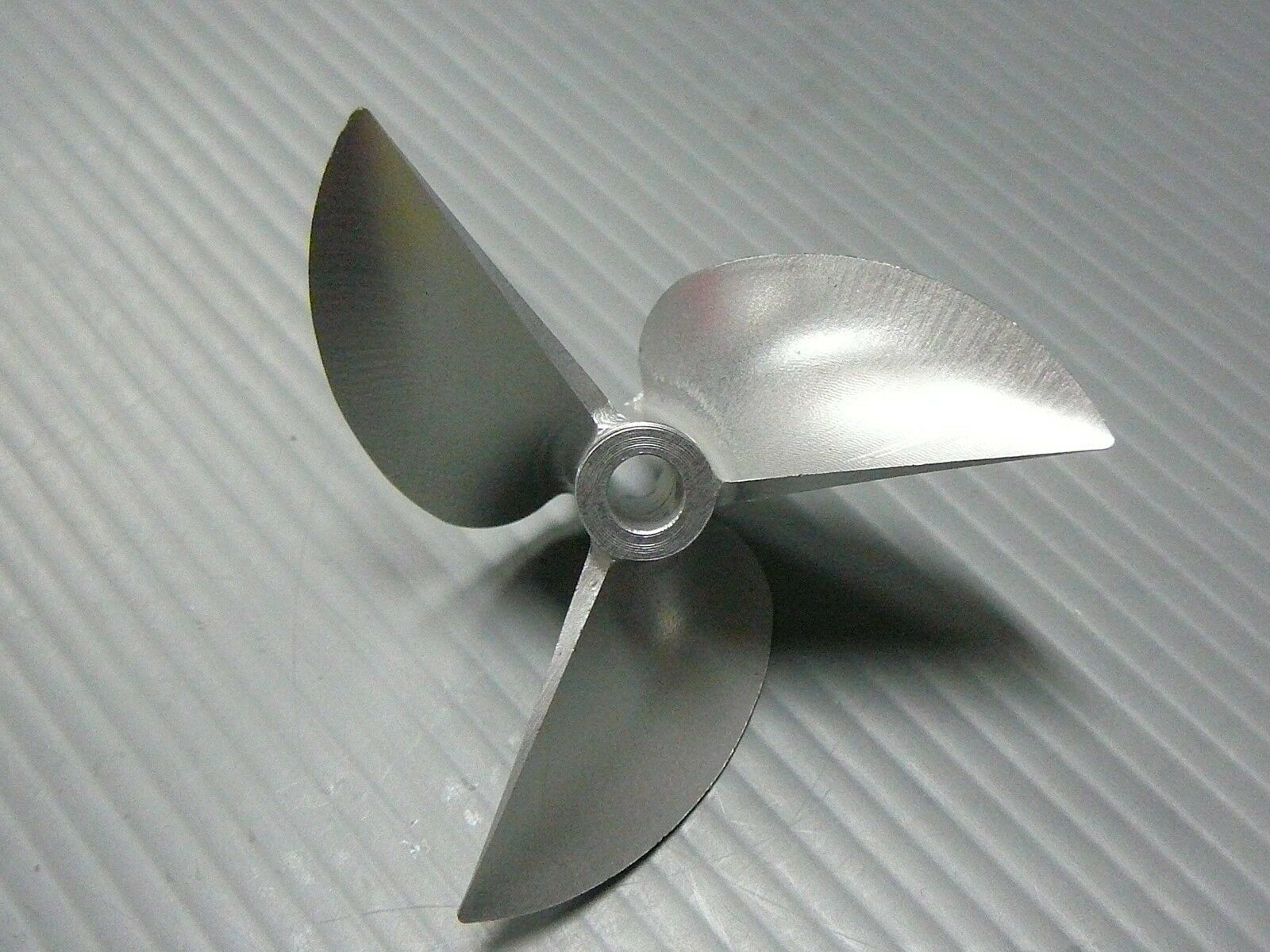VXP V4418/3 44mm 44mm 44mm 1.8p 3/16  CNC Alloy Non Lift Prop De Tongued Propeller Boat 52d22f