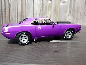 American-Muscle-Ertl-Plymouth-Cuda-Baracuda-1-18-purpura-Raro-Juguete-Coche-Modelo-V8