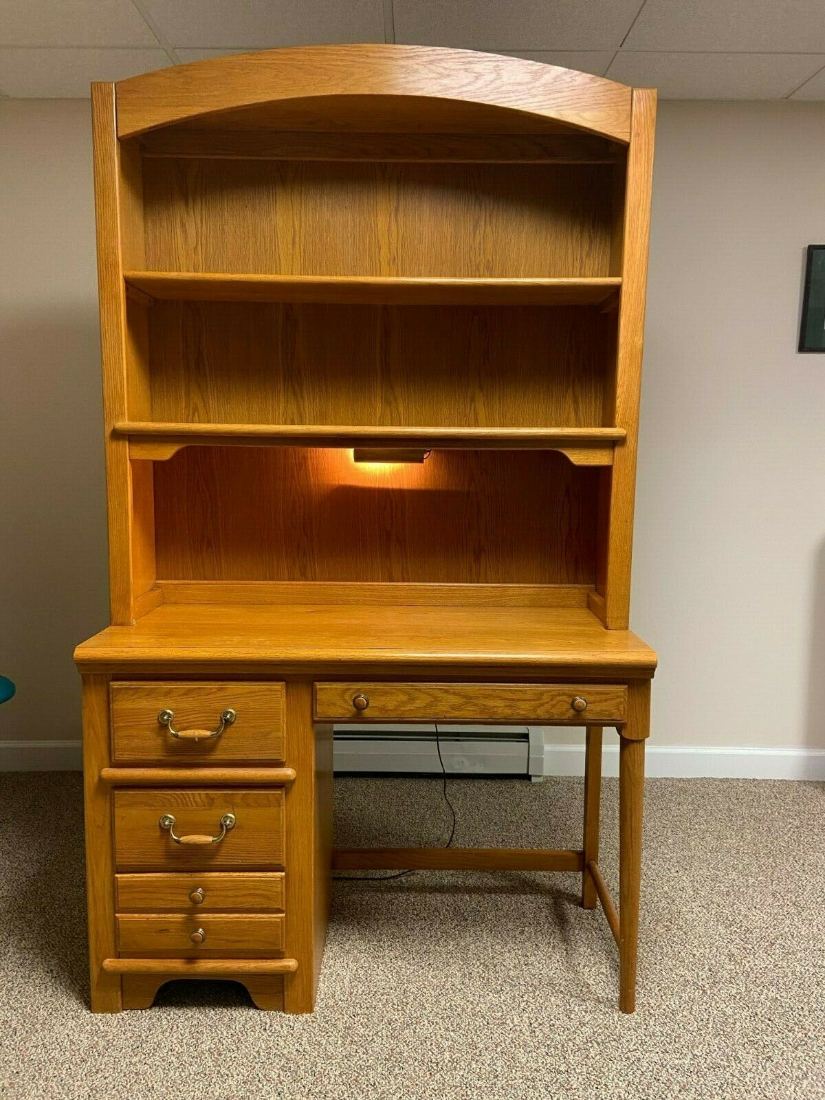Solid oak desk with matching hutch with light. Lexington Furniture  Immaculate