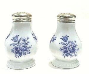 Vintage-Blue-amp-White-Porcelain-Salt-amp-Pepper-Shakers-Made-In-Bavaria-Germany