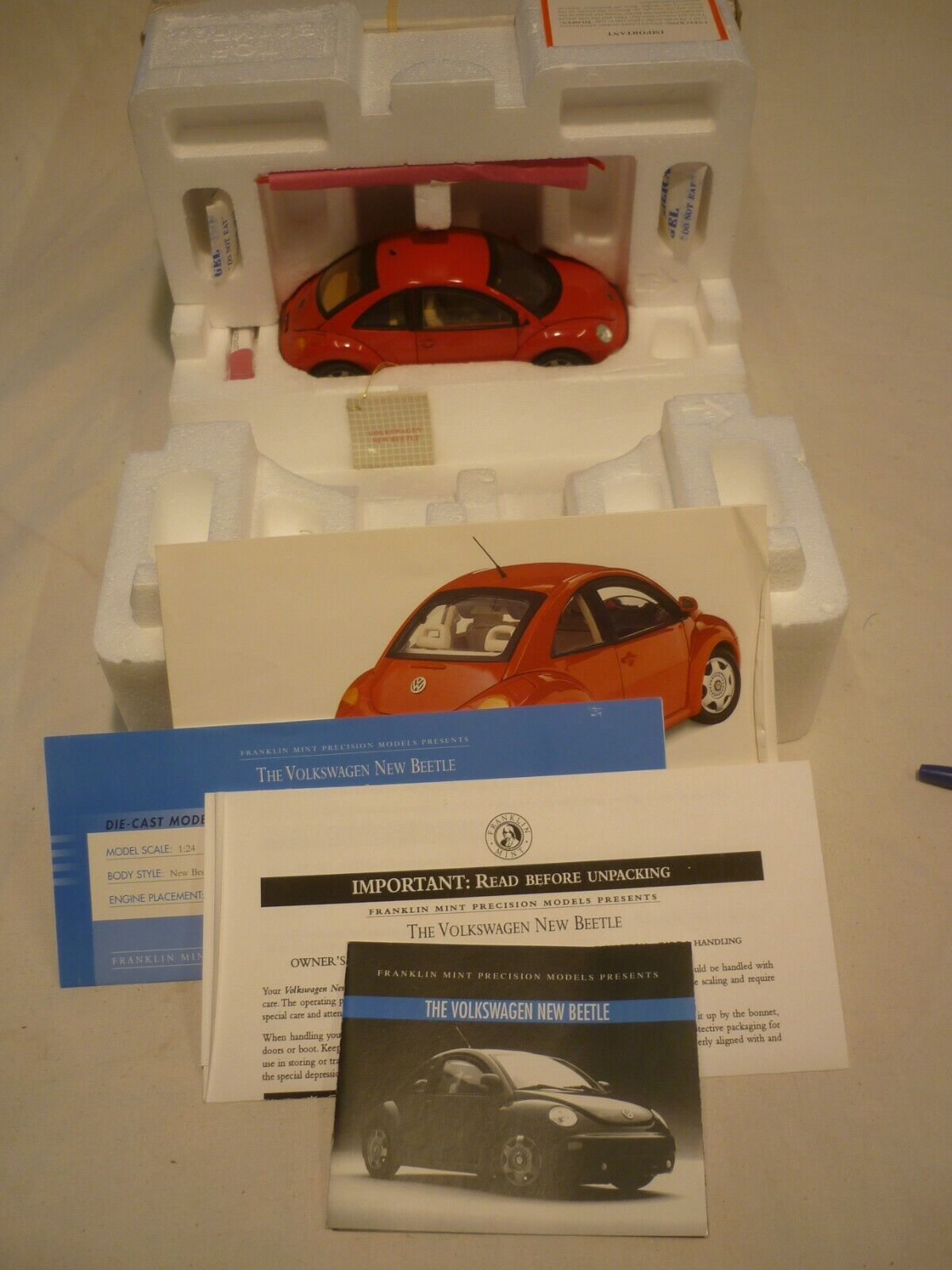Un Franklin Comme neuf scale model of a 1989 VOLKSWAGEN BEETLE, boxed & papiers