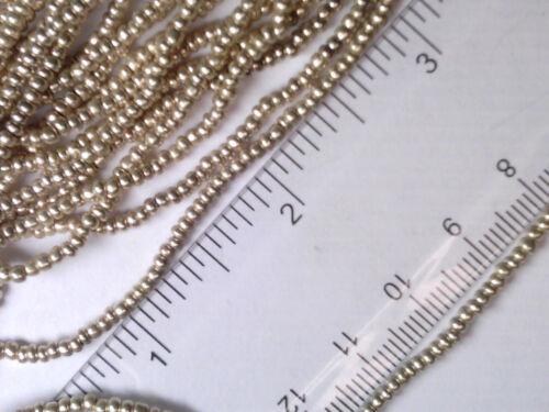 Vintage 1 Hank Silver Manteau Opaque Graine perles de verre 10//0 102718 A