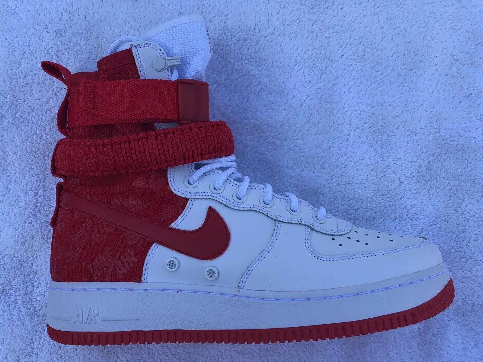 2018 Nike Air Force 1 High SF AF1 SZ 10.5 Special Field White Uni Red AR1955-100