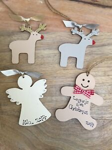 Babys-first-1st-Christmas-Tree-Decoration-Bauble-personalised-Xmas-gift-tag-wood