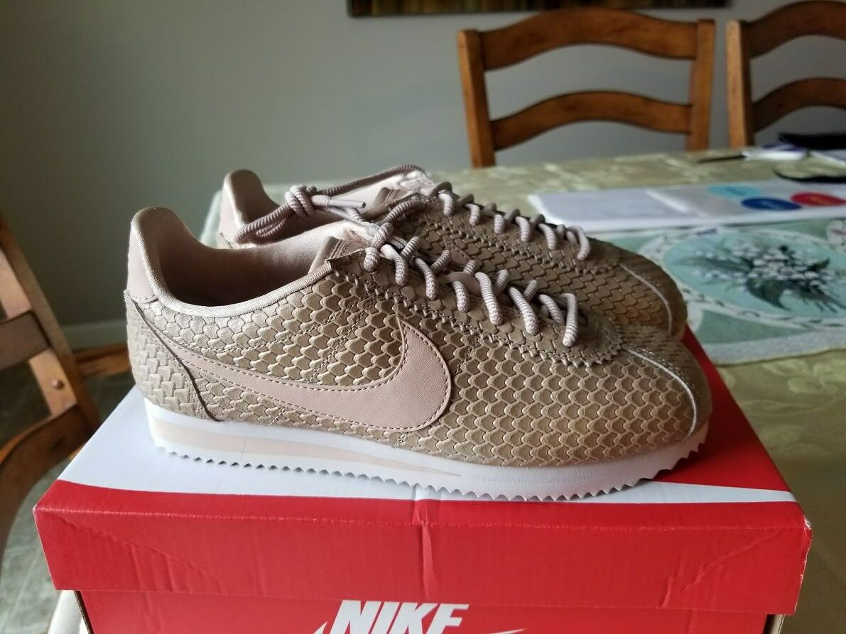 NIKE CORTEZ SE WOMEN'S SHOE - Blur/Light Orewood Brown/Bio Beige