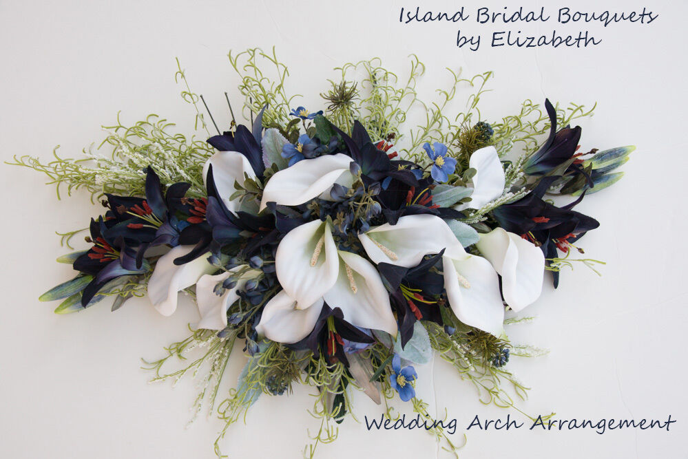 WEDDING ARCH FLOWER ARRANGEMENT IN CALLA LILIES NAVY & blanc