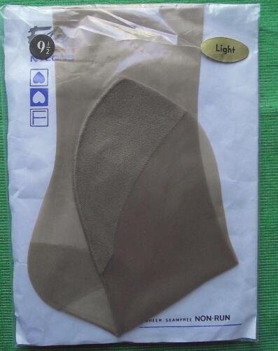 c1960 Very Sheer Folio 400 Needle RHT Heel Toe Tan Nylons Stockings Size 9.5