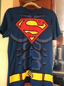 Superman-Mens-Size-Small-Costume-T-shirt-amp-Cape-New-With-Tags-Halloween-Dress-Up