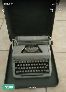 Royal Quiet De Luxe Portable Typewriter