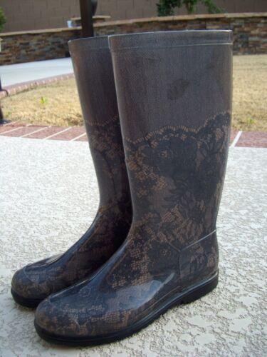 Valentino Lace Print Rain Boot Size 41 $295.00