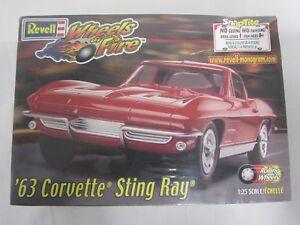 1963-Corvette-Sting-Ray-Snaptite-2000-Revell-1-25-Model-Kit-Sealed-NIB-85-1915