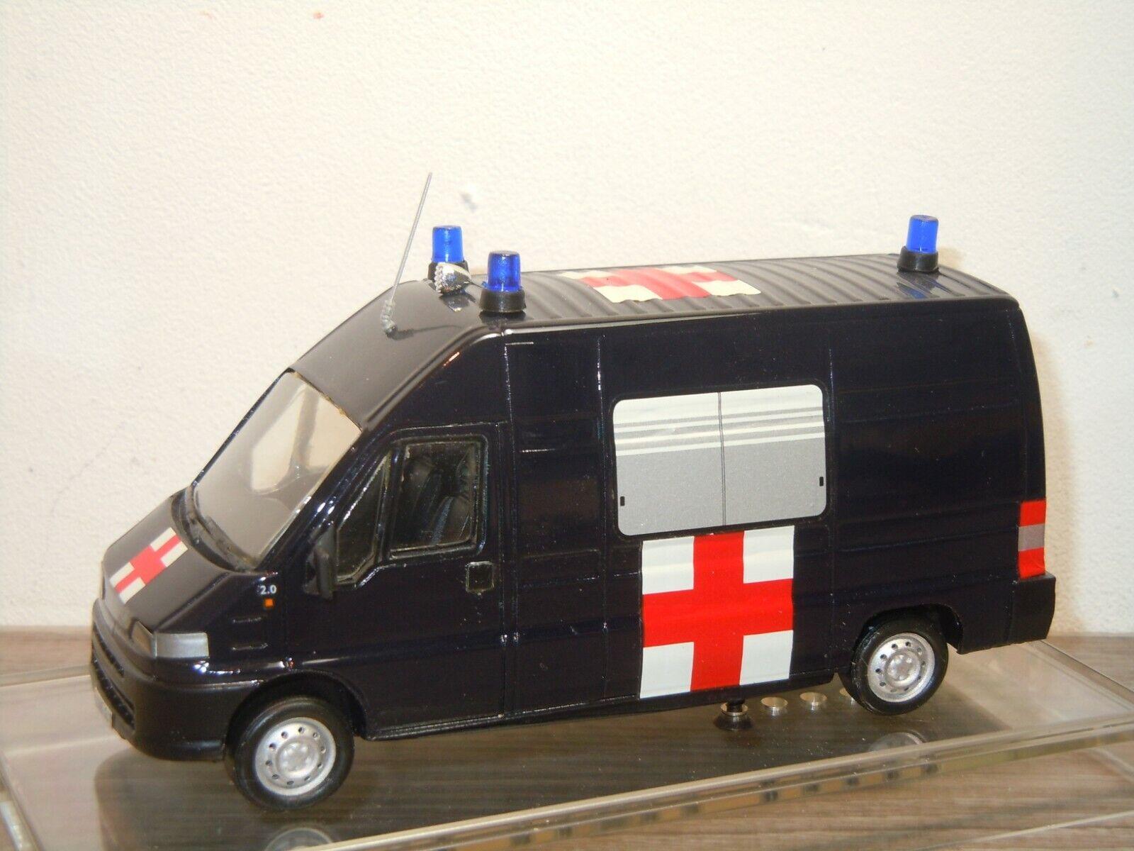 Fiat Ducato Ambulanza voitureabinieri - Giocher  1 43 in Box 37118  plus d'escompte
