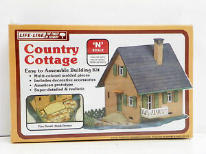 LIFE LIKE N SCALE UA COUNTRY COTTAGE PLASTIC MODEL KIT 7411 eBay