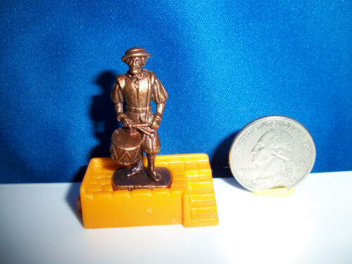 SWISS GUARD #3 Bronze DRUM DRUMMER Kinder Surprise Metal Soldier Figure K96n76