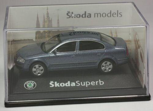 voiture miniature voiture 1:72 neuf dans sa boîte ST 9903-80-92 ABREX Skoda exquise Limousine blaumet