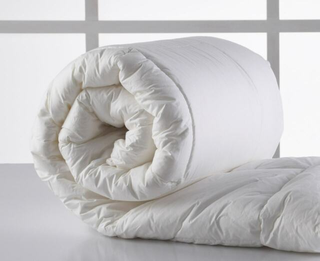 Brand New Odyssey Living Microlush Down Quilt Queen Size RRP $229