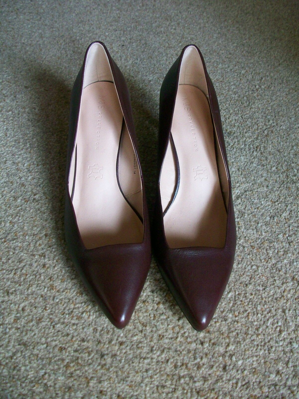 Ruby Leather Court schuhe schuhe schuhe with Insolia, Größe 8, Marks & Spencer, BNWT be0644
