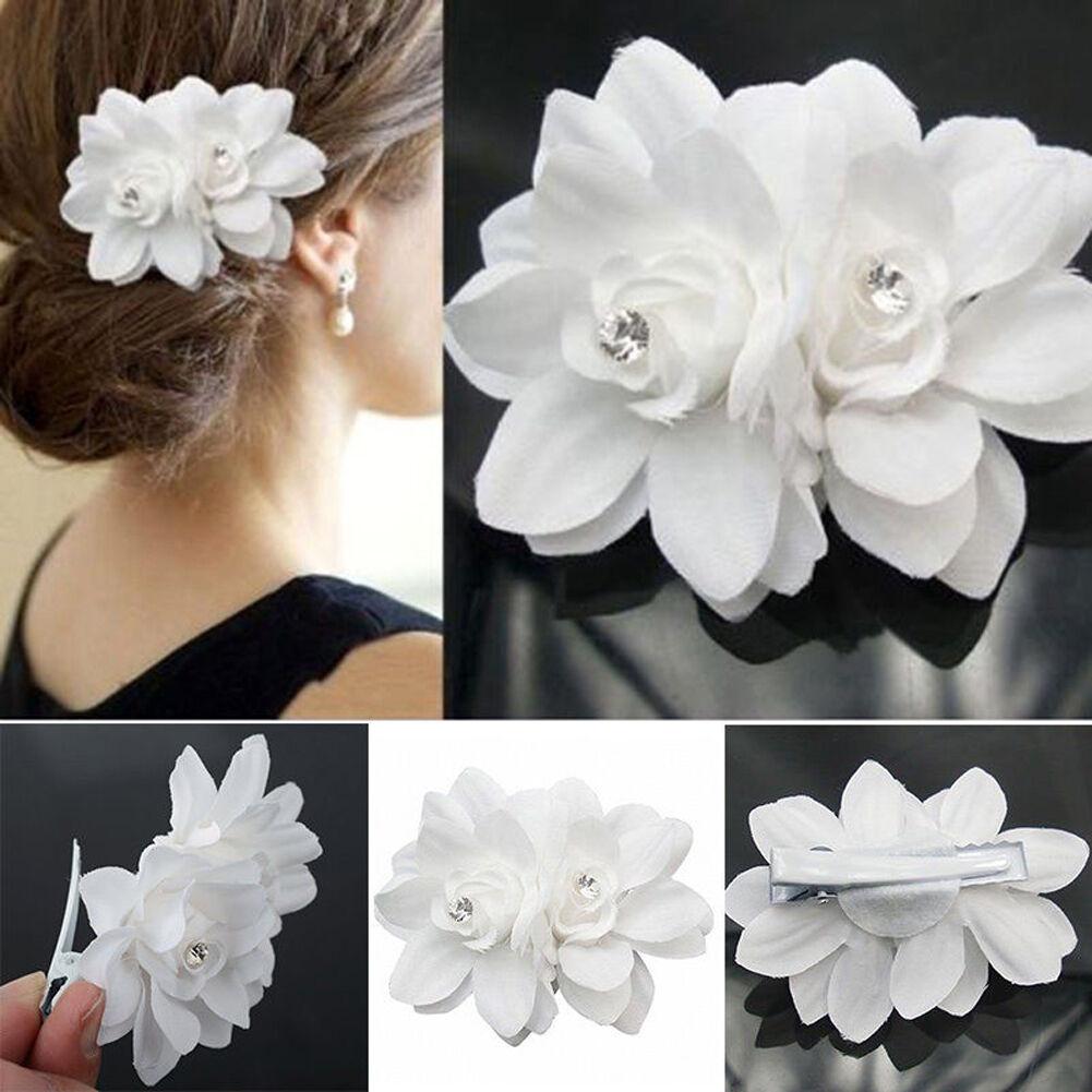 กิ๊บติดผม แฟชั่นเกาหลีสำหรับงานแต่งงานดีไซน์ดอกไม้ นำเข้า สีขาว - พร้อมส่ง864 ราคา 300 บาท