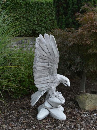 Massive Steinfigur großer Steinadler Adler Vogel aus Steinguss frostfest