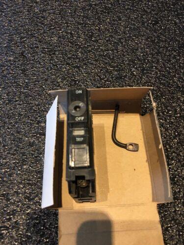 Lot de 10 SQUARE D QO115K 1 pôle 15 Amp Keyed Breaker clé opérateur QO