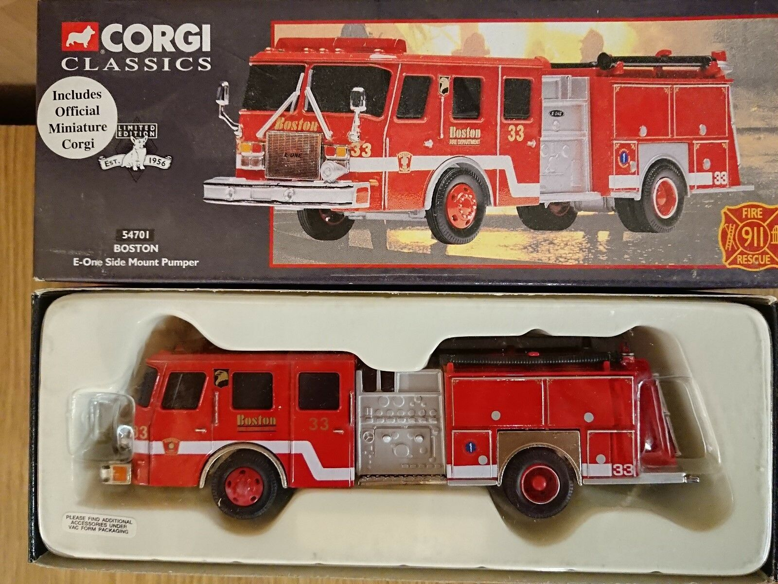 Corgi Classics 54701 E-One Side Mount Pumper Boston Ltd Edition No. 0001 of 5000